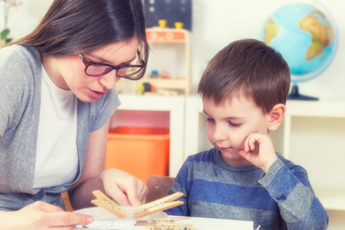 Нарушения речи, плохое поведение, отсутствие реакции мальчика 3 лет